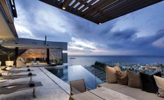 Luxe..the house..the pool..the view 1