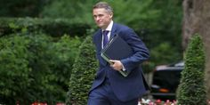 """Top News: """"UK POLITICS: Gavin Williamson Replaces Michael Fallon As New Defence Minister"""" - https://i1.wp.com/politicoscope.com/wp-content/uploads/2017/11/Gavin-Williamson-UK-POLITICS-news.jpg?fit=1000%2C500 - """"The Queen has been pleased to approve the appointment of Rt Hon Gavin Williamson as Secretary of State for Defence,"""" British Prime Minister Theresa May's spokesman said.  Williamson, elected in 2010, has moved swiftly up the ranks of the Conservatives and was a"""