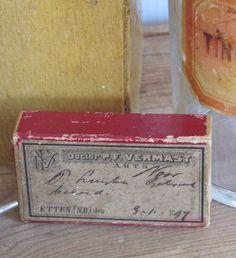 ANTIEK medicijndoosje uit 1897. Doctor P.F. Vermast, Etten