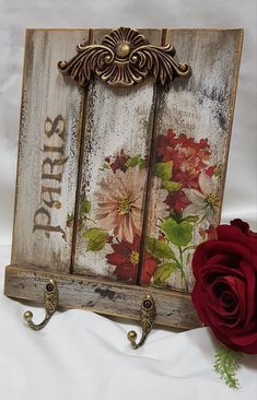 Decoupage Vintage, Decoupage Wood, Shabby Chic Stil, Shabby Chic Crafts, Shabby Chic Decor, Arte Pallet, Pallet Art, Crafts To Sell, Diy And Crafts