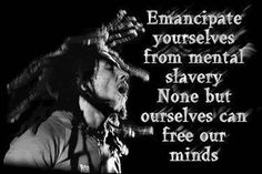 Bob Marley was a spiritual freedom fighter who used music as his weapon. His sayings are deep, meaningful and inspirational. Check out these famous Bob Marley Quotes on love, strength and life! Image Bob Marley, Bob Marley Citation, Bob Marley Quotes, Pranayama, Bruce Lee, Eminem, Namaste, Favorite Quotes, Best Quotes