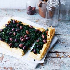 Onion, spinach and black olive tart