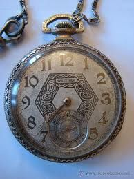 """Reloj de bolsillo s. XIX. """"Linette reconoció la bolsa ritual en forma de tortuga que su padre siempre llevaba al cuello. El otro corazón. Ahora sabía que aquellos latidos correspondían al «tic-tac» de un reloj."""" DAMA DE TRÉBOLES, capítulo 8"""