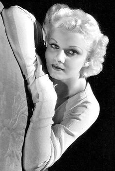 The beautiful, Jean Harlow Old Hollywood Actresses, Hollywood Icons, Old Hollywood Glamour, Golden Age Of Hollywood, Vintage Hollywood, Hollywood Stars, Classic Hollywood, Vintage Vogue, Vintage Ladies