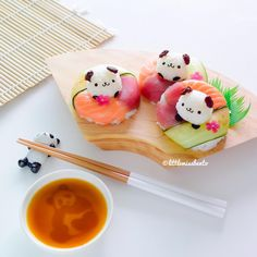 Sushi donuts and an overdose of panda Who wants this? ♪(ᵔᗨᵔ๑) Panda soy dis