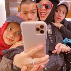 Phone Cases, Selfie, Business, Instagram, Store, Business Illustration, Selfies, Phone Case