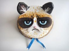 Grumpy Cat Cake and Cupcakes A few weeks ago our friends at The Chubby Bunny created a spectacular look-a-like black cat cake , and now,. Grumpy Cat Birthday, Birthday Cake For Cat, Birthday Cakes, Happy Birthday, Cat Cupcakes, Cupcake Cakes, Cupcake Art, Cupcake Ideas, Cupcake Toppers