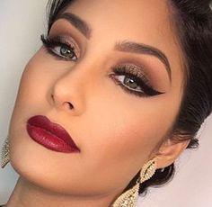 36 Trendy Makeup Looks Red Lips Winged Eyeliner Eye Makeup, Red Lip Makeup, Glam Makeup, Makeup Inspo, Makeup Inspiration, Hair Makeup, Eyeliner Make-up, Eyeliner Ideas, Bride Makeup