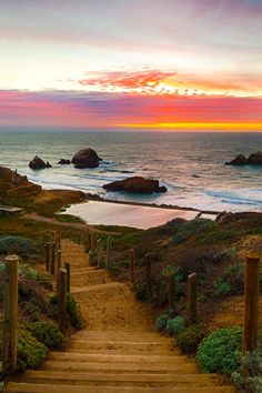 Path to the Sutro Baths, San Francisco, CA ahmad Taufique: add to cali trip! Oh The Places You'll Go, Places To Travel, Places To Visit, Dream Vacations, Vacation Spots, Sutro Baths, San Francisco Travel, San Francisco Beach, Strand