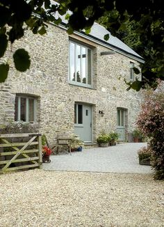 Barn Conversion Exterior, Barn House Conversion, Barn Conversions, Cottage Exterior, Dream House Exterior, House Designs Ireland, Cottage Renovation, Barn Renovation, Stone Houses