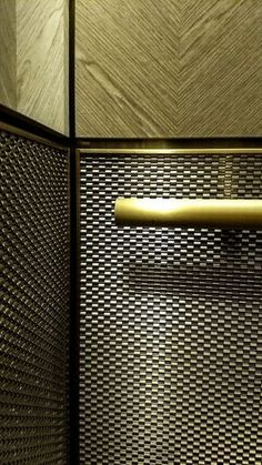 Inside San Francisco's 130 Battery Street elevators you can find Banker Wire's in stainless steel cladding the walls. Steel Cladding, Elevator Design, Retail Facade, Metal Net, Public Hotel, Lift Design, San Francisco Houses, Lifted Cars, Lobby Interior