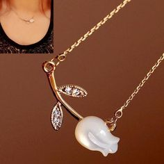 Pretty Elegant Tulip Flower Designed Gold Plated Necklace