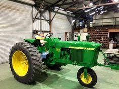 John Deere 3010 w/ Single Front Wheel Jd Tractors, John Deere Tractors, John Deere Equipment, Heavy Equipment, Antique Tractors, Antique Cars, Country Life, Country Living, Mean Green