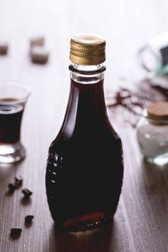 Il #liquore al #caffè fatto in casa è perfetto per un fine pasto coi fiocchi o…