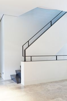 How to choose and buy a new and modern staircase – Modern Home Staircase Handrail, Interior Staircase, Banisters, Stair Railing, Interior Architecture, Balustrade Balcon, Balustrades, Railing Design, Staircase Design