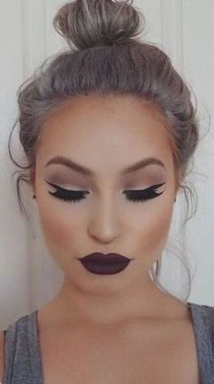 Ideas for makeup fall looks dark lipstick Makeup Ads, Lip Makeup, Makeup Eyeshadow, Beauty Makeup, Eyeshadow Ideas, Dark Lipstick Makeup, Full Makeup, Gel Eyeliner, Makeup Brushes