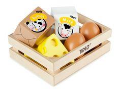 Houten speelgoed eieren en zuivel van Tidlo. Het krat bevat 2 eieren, 2 stuks kaas,boter en melk. De ideale aanvulling voor een keukentje of een winkeltje.