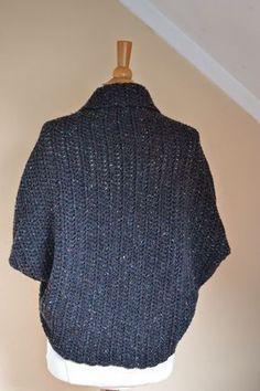 shrug gehaakt van tweed garen zeeman. met beschrijving