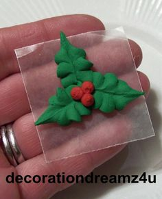 Sugar Royal Icing Edible Christmas Holly Flower Cake Decoration Cupcake Topper Wedding, An Flower Cake Decorations, Christmas Cupcakes Decoration, Christmas Topper, Royal Icing Decorations, Christmas Treats, Christmas Cookies, Fondant Cupcakes, Cupcake Cakes, Royal Icing Templates