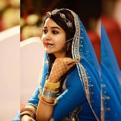 Wonderful Cost-Free Bridal Jewellery rajasthani Ideas Out of wedding rings and also bracelets to help diamond earrings as well as rings, this is a very fe Indian Wedding Bride, Indian Wedding Jewelry, Indian Bridal, Bridal Jewellery, Rajasthani Bride, Rajasthani Dress, Bridal Lehenga Choli, Saree, Ghagra Choli