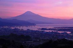 美しすぎて思わずため息がでる。富士山の写真14選