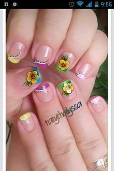 Taty thalyssa nails
