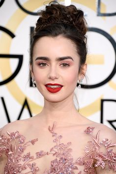 The Best Beauty Looks From The Golden Globes #refinery29 http://www.refinery29.com/2017/01/135131/golden-globes-2017-best-hair-makeup-photos