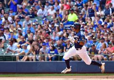 How soon can the Brewers contend? = The Brewers' pair of Tuesday morning moves sent a clear signal that their rebuild is far from over. By designating first baseman Chris Carter for assignment, they are parting ways with the team's 2016 home run and RBI leader. In.....