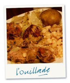 L'OLLADA CATALANE (couenne de jambon sec, jarret de porc demi-sel, oreilles de porc, pied de porc, queue de porc, cousteillous, carottes, navets, poireaux, céleri, chou, haricots secs, pommes de terre, oignon, ail, sel/poivre blanc, persillade, saucisses Botiffarres (boudin noir), oeuf)