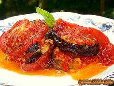Rețeta de vinete cu usturoi și roșii asigură o întâlnire gustoasă cu un trio a cărui armonie culinară nu poate fi contestată de nimeni.