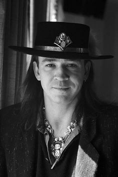 Find Stevie Ray Vaughan bio, music, credits, awards, & streaming radio on AllMusic - A rocking powerhouse of a guitarist who gave… Stevie Ray Vaughan, Rock N Roll, Music Images, Music Photo, Blues Rock, Led Zeppelin, Rock Music, Portrait, Celebrities