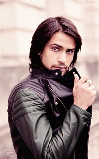 Brit actor: Luca Giovanni Pasqualino. (Fredster from SKINS)