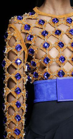 Balmain SS 2016 Fashion Show & More Luxury Details Couture Details, Fashion Details, Love Fashion, High Fashion, Fashion Design, Couture Fashion, Runway Fashion, Womens Fashion, Fashion Trends