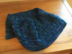 Ravelry: Project Gallery for Blue Water Cowl pattern by baah yarn