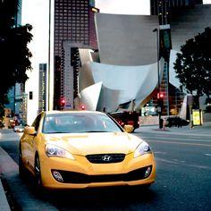 미국 LA 필하모닉 콘서트홀 앞의 제네시스 쿠페  Genesis Coupe in front of LA Philharmonic Concert Hall, U.S.A