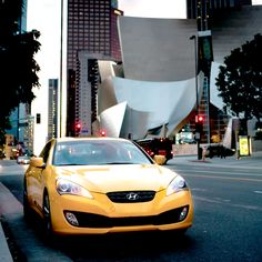 미국 LA 필하모닉 콘서트홀 앞의 제네시스 쿠페  Genesis Coupe in front of LA Philharmonic Concert Hall, U.S.A