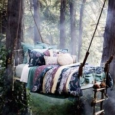 Photopoll: Some more neat beds/bedrooms!
