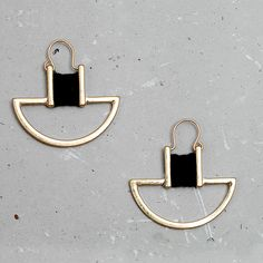 WILD & FREE Women Vintage Geometric Hoop Earrings Antique Gold Plated White Black Thread Wrap Handmade Women Earrings Jewelry