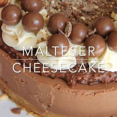 Delicious & Chocolatey Malteser Cheesecake – Malt Biscuit Base, Chocolate Malt Cheesecake, Malteser Spread, Sweetened Cream, and Maltesers! Maltesers Cheesecake, Malteser Cupcakes, Cheesecake Shooters, Chocolate Cheesecake Recipes, Blueberry Cheesecake, Baking Recipes, Dessert Recipes, Delicious Desserts, Yummy Food