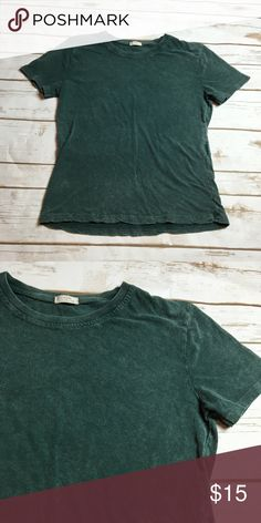 Green acid wash brandy Melville tee This is a brandy Melville tee that has a cute acid wash pattern. Very comfortable and perfect for fall as well as being a great color for the holiday season. I ❤️ offers! Brandy Melville Tops Tees - Short Sleeve