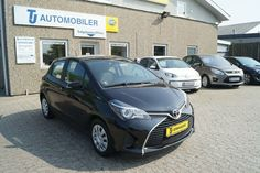 Toyota Yaris 1,4 D-4D T2 Van Diesel modelår 2014 Sortmetal Diesel, Toyota, Vans, Bmw, Vehicles, Diesel Fuel, Van, Car, Vehicle