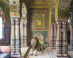 Karen Knorr, Parvati's Consort, Samode Haveli, Jaipur. From the book India Song © Skira Editore. Courtesy of the artist. http://www.yatzer.com/karen-knorr-india-song