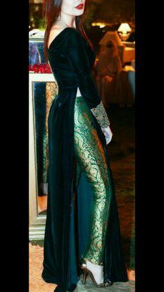 indian fashion Accessories -- Click Visit link for Designer Party Wear Dresses, Kurti Designs Party Wear, Kurta Designs, Dress Indian Style, Indian Fashion Dresses, Indian Designer Outfits, Indian Gowns, India Fashion, Dress Fashion