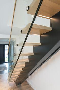 Interior Railings, Interior Staircase, Home Stairs Design, Staircase Railings, Stairways, House Design, Glass Stairs, Glass Balustrade, Modern Stairs