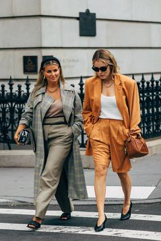 The Best Street Style at New York Fashion Week Spring 2020 New Street Style, New York Fashion Week Street Style, Looks Street Style, Spring Street Style, Cool Street Fashion, Who What Wear, First Day Outfit, Fashion News, Kids Fashion