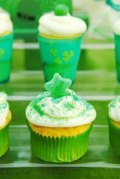 Cupcakes at a  St. Patrick's Day Party #stpatricks #party