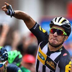 Kristian Sbaragli (MTN-Qhubeka) wins stage 10 Vuelta a Espana 2015