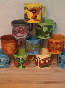 staffordshire mugs // kemoland.dk - I have all of these, except the blue and orange rose mugs, the grey strawberry mug and the blue one in the low right corner