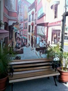 Además cuentan con un área de descanso y relax en nuestra terraza de la entrada, donde además encontrarán vitrinas de snacks y bebidas para tomar un  break de sus compras y relajarse....Matisses siempre pensando en Uds.