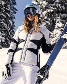 Ski Fashion, Fashion Outfits, Womens Fashion, Apres Ski Mode, Puffer Jackets, Winter Jackets, Snowboarding Outfit, Snow Outfit, Style And Grace